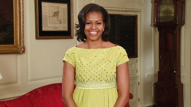 "Michelle Obama Gets Laughs on ""Letterman"""