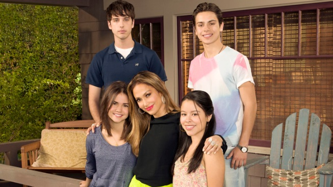 "Jennifer Lopez Brings ""The Fosters"" to ABC Family"