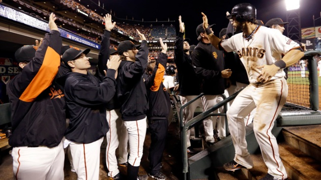With Small Ball, Giants Win 2-0 for W-0 WS Lead