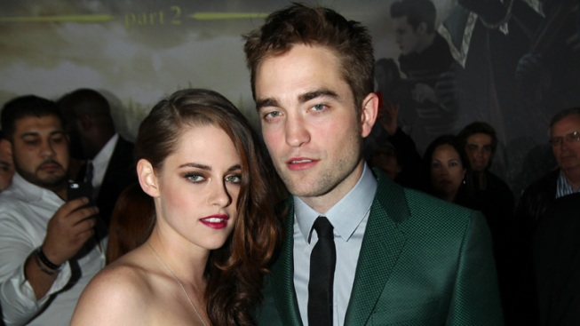 "Kristen Stewart and Robert Pattinson Hit ""Breaking Dawn 2"" Premiere Together, Look Stunning"