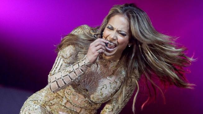Lopez Sings in Human-Rights-Violating Turkmenistan