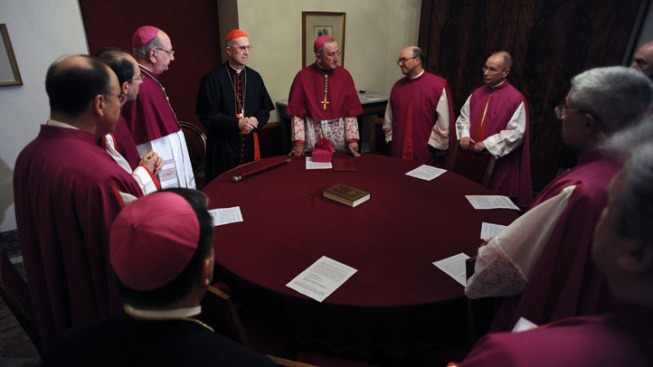Cardinals Begin Pre-Conclave Meetings Amid Scandals