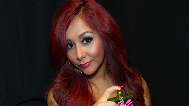 "Pregnant Kim Kardashian: Snooki Offers Advice on How to Look ""Glam"" While Giving Birth"