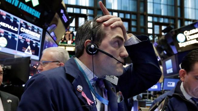 U.S. Stock Market Drops, Ending Its Worst Week Since 2011