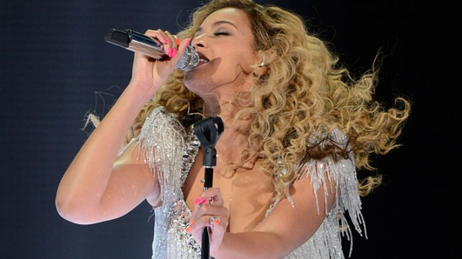 Beyonce Dazzles in Her First Post-Baby Concert