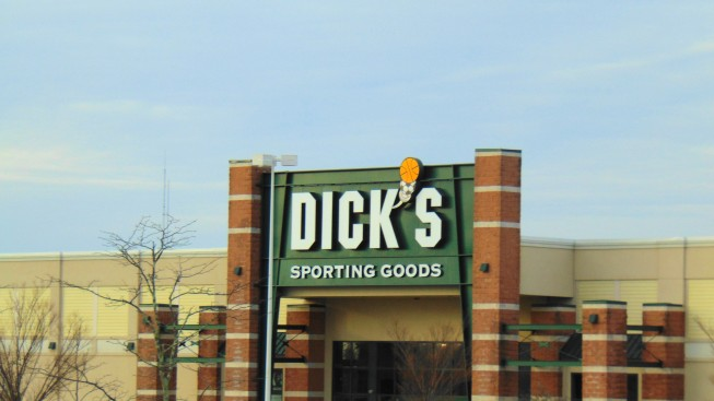 Gunman Kills Himself Inside Dick's Sporting Goods