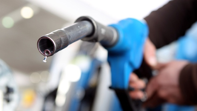 AAA Warns of High Gas Prices for Holidays