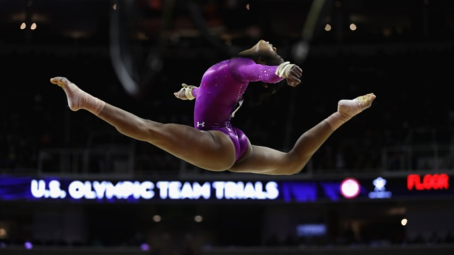 Biles, Douglas Headline US Women's Gymnastics Team