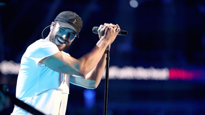 Country Star Sam Hunt is Engaged to Longtime Girlfriend