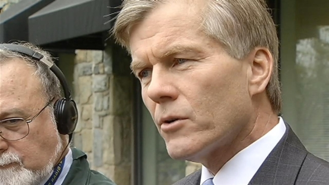 Former Virginia Gov. McDonnell, Wife Charged in Gifts Investigation
