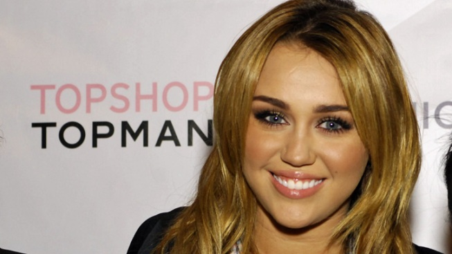 Miley Cyrus Embroiled in Twitter Holy War