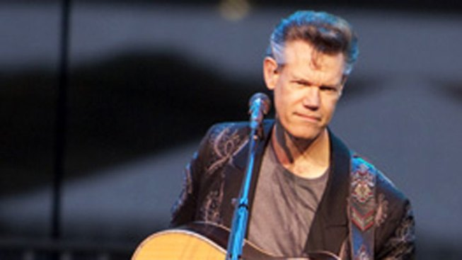 Randy Travis Collapses at Gala