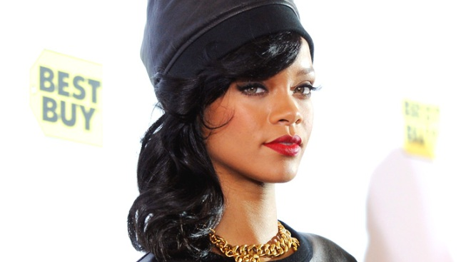 Rihanna: Trespasser Arrested at Singer's House