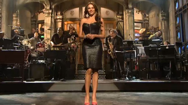 "Sofia Vergara's Latin Roots Take Center Stage on ""SNL"""