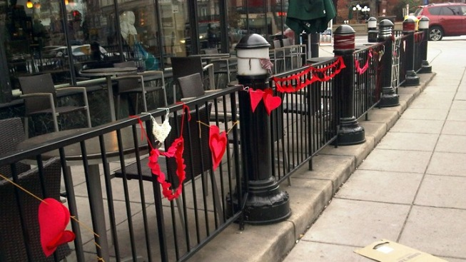 Guerilla Knitters Decorate Dupont for V-Day