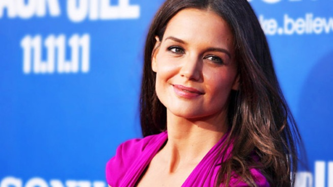 "Katie Holmes Guests on ""Project Runway: All Stars"""