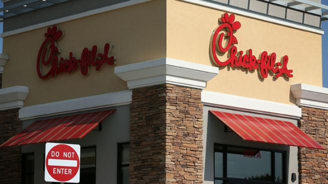 Chick-Fil-A to Serve Chicken Without Antibiotics