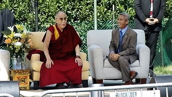 Dalai Lama Speaks at the University of Maryland