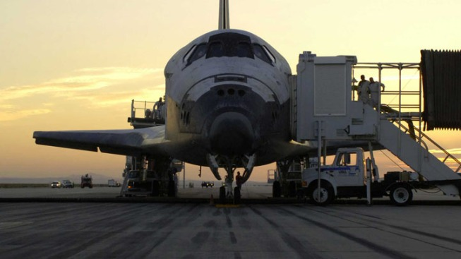 Shuttle Discovery Will Touch Down at Smithsonian