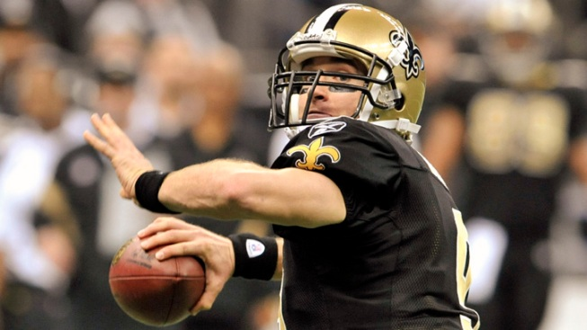 Drew Brees Breaks Passing Record as Saints Rout Falcons