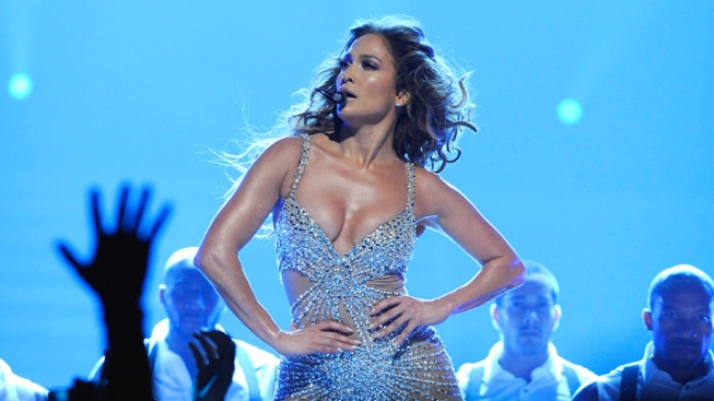 Jennifer Lopez Suffers Another Wardrobe Malfunction During London Concert