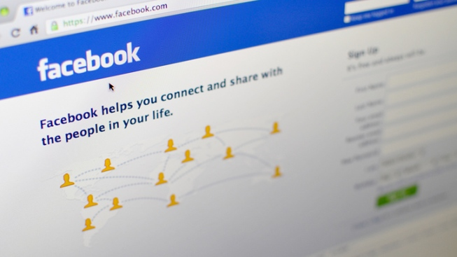Facebook Users on Verge of Mutiny
