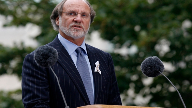 Feds Sue Ex-N.J. Gov. Corzine Over MF Global Collapse