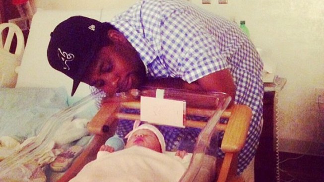 Kenan Thompson's Wife Shares First Pics of Their Newborn Daughter