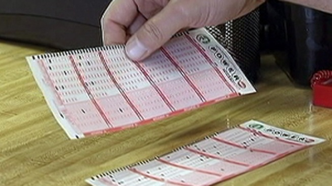 No Powerball Winner, Jackpot Hits Record $425 Million