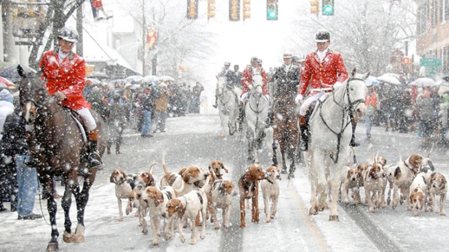 Break Out the Red Coats for Christmas in Middleburg