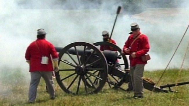 Despite Heat, Civil War Rages On in Manassas