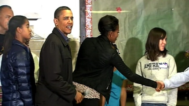 Obamas Mark King's Birthday With Volunteer Outing