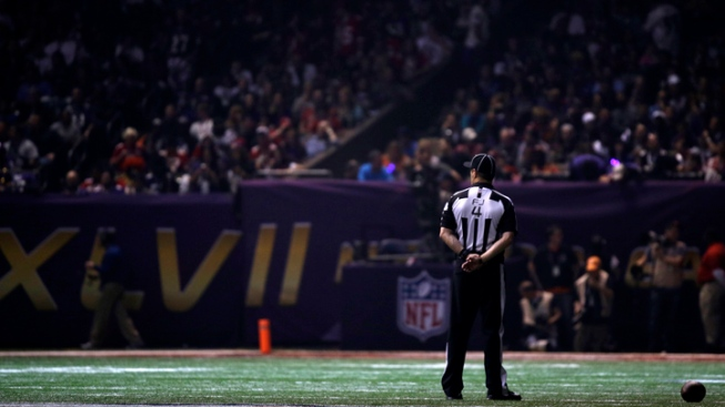 34-Minute Power Outage Delays Super Bowl