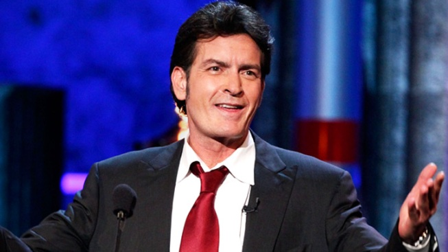 Charlie Sheen Issues An Apology to Ashton Kutcher