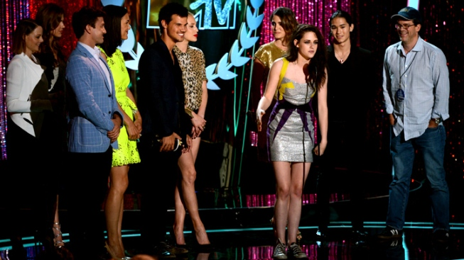 "Bruce Wayne ""Rises"" Again at MTV Movie Awards"
