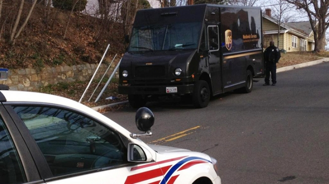 Armed Robbers Hold Up UPS Truck in Southeast DC