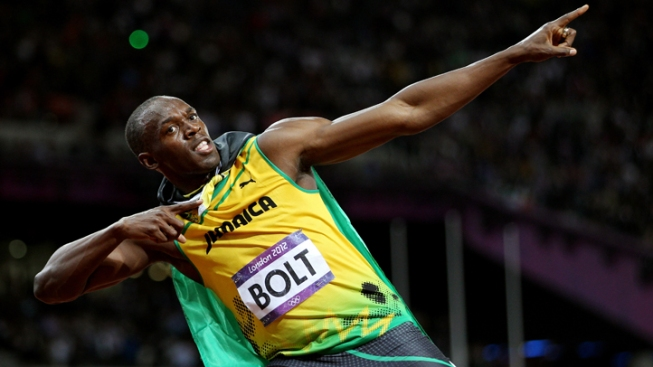 Subdued Bolt Easily Advances in 100 at Worlds