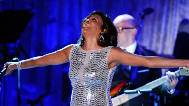 Whitney Houston Enters Rehab