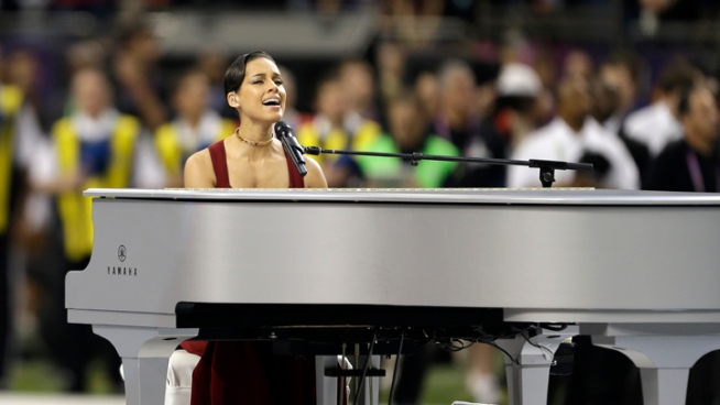 Keys Sings National Anthem on Piano at Super Bowl