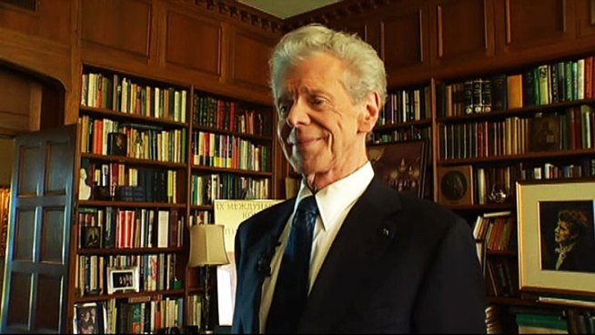 World-renowned pianist Van Cliburn, who was diagnosed with advanced bone cancer in August, died today at the age of 78.