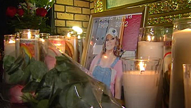 Hundreds of fans paid tribute to the singer who died in a plane crash. Janet Zappala reports for the NBC4 News at 11 p.m. on Sunday, Dec. 9, 2012.