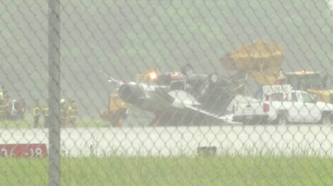 Air Force Thunderbird flips on landing in Ohio