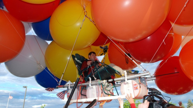 Lawn Chair Balloonist to Ride Again with Partner