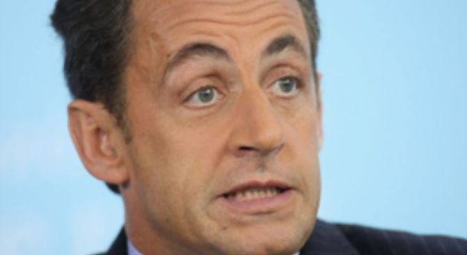 Sarkozy Rushed to Hospital After Jogging Collapse