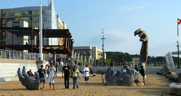 National Harbor Brings New Entertainment Options