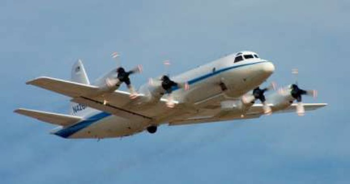 Low-Flying Plane to Hover Over the Beltway Today