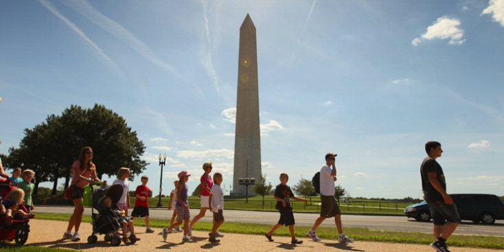 John Deere Donates Equipment for National Mall