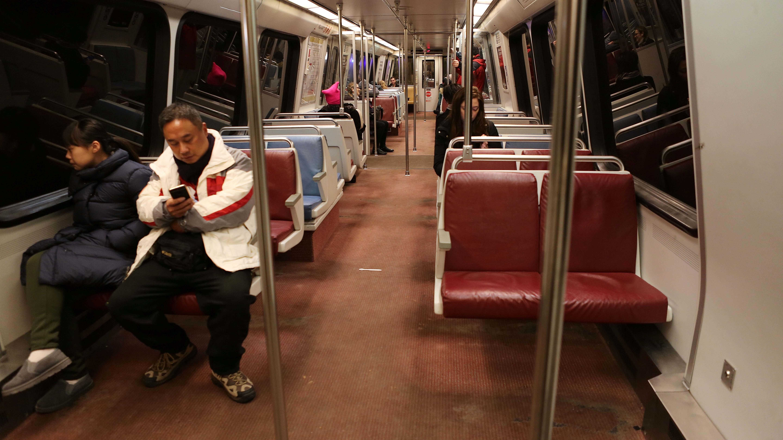 Metro Retires 5000-Series Railcar Fleet; Twitter Rejoices