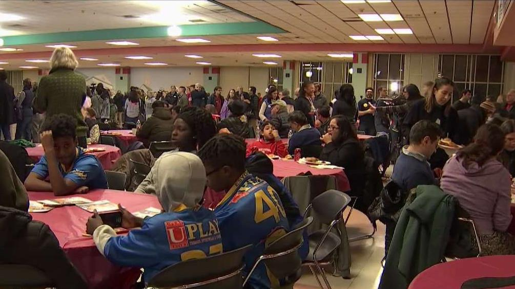 Hundreds Turn Out for Shutdown Dinner in Montgomery County