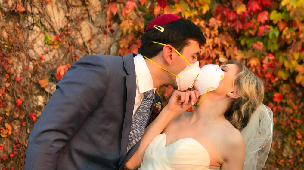 Oakland Couple Pulls Off Wedding Despite North Bay Fires